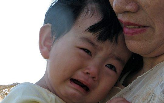 Jak reagovat na pláč dětí? Co jsem pochopila až u druhého syna